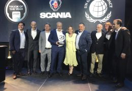 "Scania Chile adhiere a Pacto Global y recibe el premio ""Truck of the Year"""