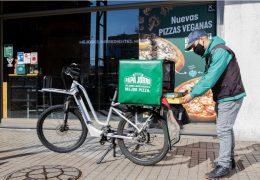 Papa John's Chile: Primera empresa de comida en compensar el 100% de las emisiones en su delivery
